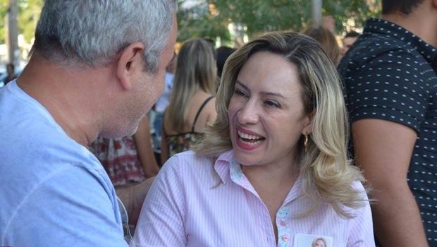 Adriana Accorsi em campanha   Foto: reprodução