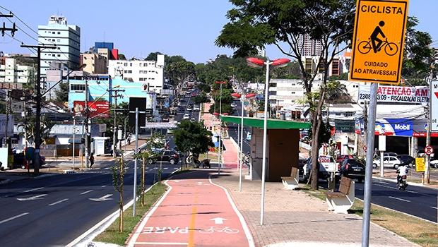 Políticas públicas de mobilidade urbana como as ciclovias e as ciclofaixas são importantes, mas precisam ser reelaboradas para ter mais efetividade | Fotos: Fernando Leite/Jornal Opção