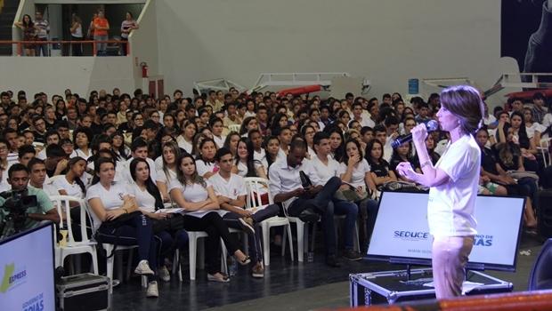 Raquel Teixeira durante encerramento do Enem Express de 2015 | Foto: Gustavo Spud