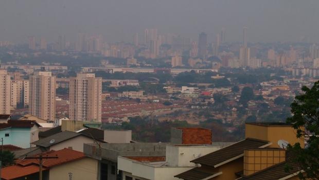 Nuvem de poeira e poluição invade Goiânia