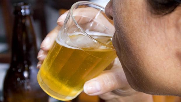 Consumo de álcool no Brasil aumenta 43,5% em dez anos e supera média mundial