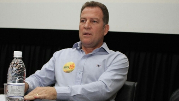 Major Araújo no debate do DCE da UFG . O candidato a vice foi vaiado e pediu desculpas ao final | Foto: Reprodução