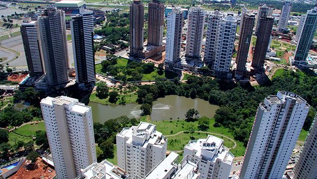 A verticalização descontrolada da cidade é um dos problemas que precisam de mais atenção na cidade | Foto: Fernando Leite/Jornal Opção