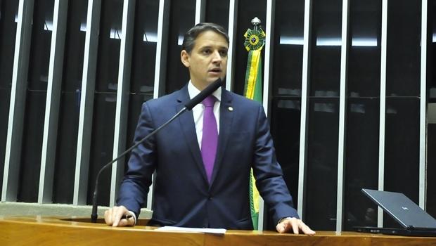 Thiago Peixoto durante pronunciamento na Câmara   Foto: divulgação
