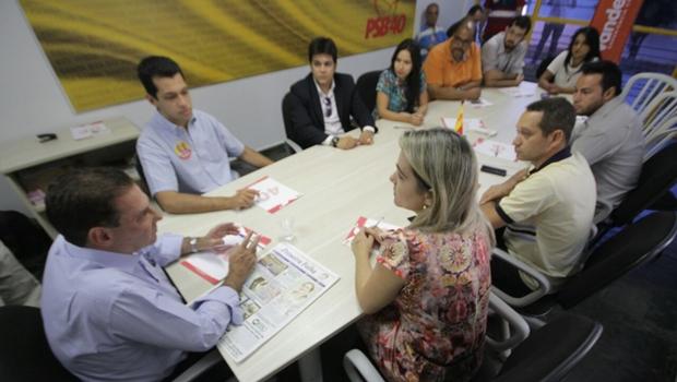Vanderlan e candidatos a vereador do PT do B discutem propostas para Goiânia | Foto: Marcelo Gouveia / Jornal Opção