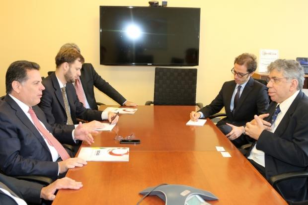 Marconi durante reunião com Banco Mundial