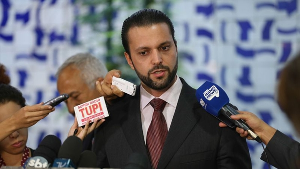 Baldy pode filiar-se ao DEM, com mais 8 deputados, e assumir comando do partido em Goiás