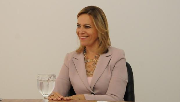 Secretária Lêda Borges durante visita ao Jornal Opção | Foto: Valdir Araújo/ Secretaria Cidadã