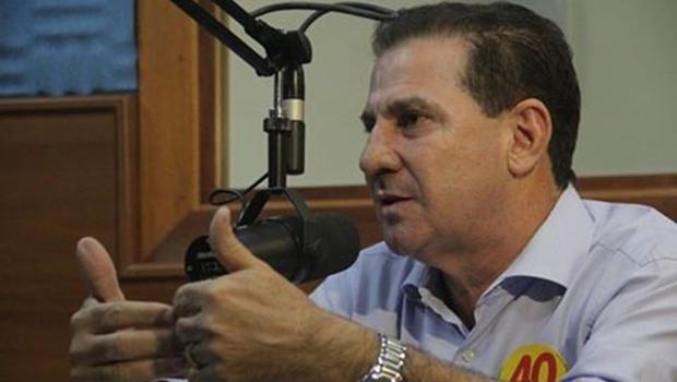 Vanderlan apresenta propostas ao vivo na Rádio Bandeirantes 820   Foto: Divulgação
