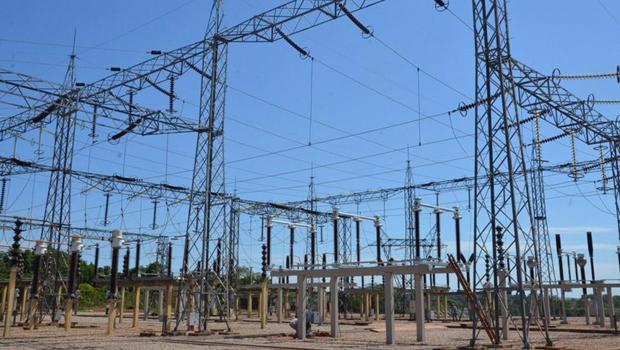 Privatização da Eletrobras vai baratear conta de luz, diz ministro