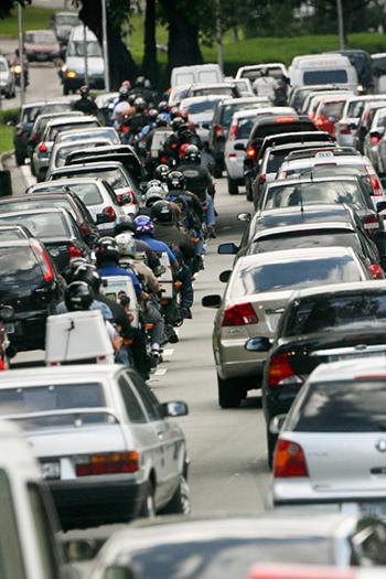 Mobilidade urbana é um dos grandes desafios a serem enfrentados | Foto: Paulo Fehlauer/Folha Imagem
