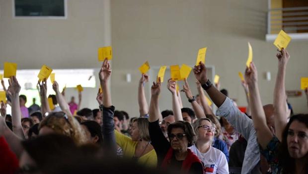 Em assembleia, professores da UFG aprovam paralisações para novembro