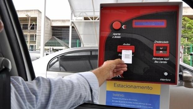 Projeto de lei proíbe cobrança de multa por perda de ticket de estacionamento