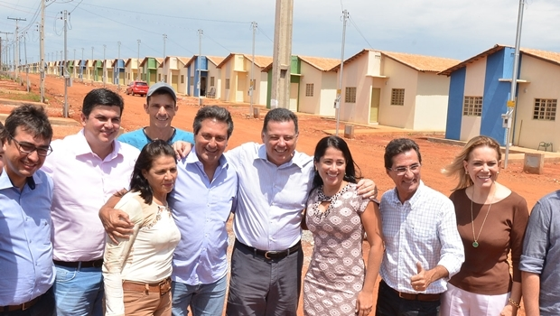 Marconi entrega casas em Itapuranga | Foto: Eduardo Ferreira