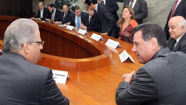 Poderes e instituições do Estado assinam acordo de centralização previdenciária