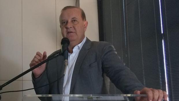"""Paulo Garcia afirma que ainda tem """"algumas surpresas"""" para Goiânia até janeiro"""