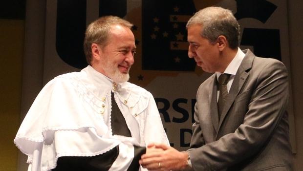 Vice-governador e Haroldo Reimer em cerimônia nesta segunda-feira (7) | Foto: Jota Eurípedes