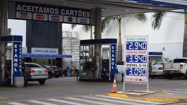 Gasolina é terceira mais cara do país | Foto: Bruna Aidar / Jornal Opção