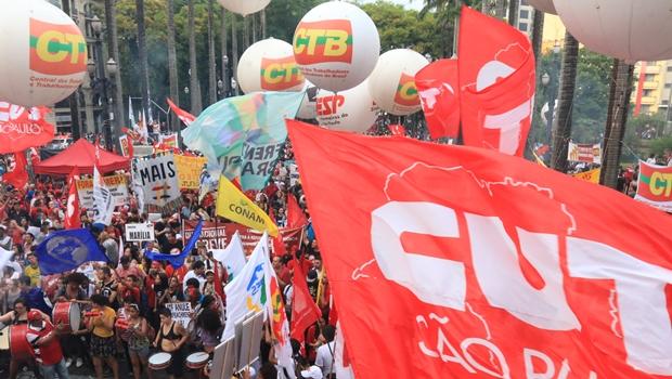 Relator anuncia voto favorável a projeto que torna contribuição sindical opcional