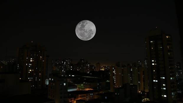Superlua na noite do dia 16 | Foto: Paulo Pinto/ Fotos Públicas