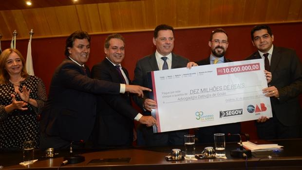 """Marconi e OAB-GO anunciam solução """"definitiva"""" para pagamento de dativos em Goiás"""