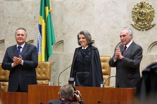 Renan Calheiros, Cármen Lúcia e Michel Temer: mantida a independência dos poderes e a estabilidade das instituições | Foto: Agência do Governo de Brasília