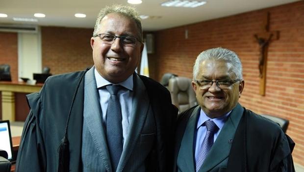 Atual presidente Desembargador Ronaldo Eurípedes e o eleito Eurípedes Lamonier   Foto TJ-TO