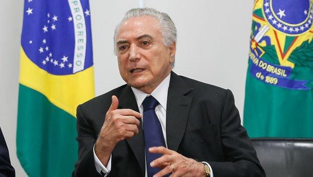 """Presidente Michel Temer anuncia pacote de medidas econômicas: esperança de recuperar """"tração política"""""""