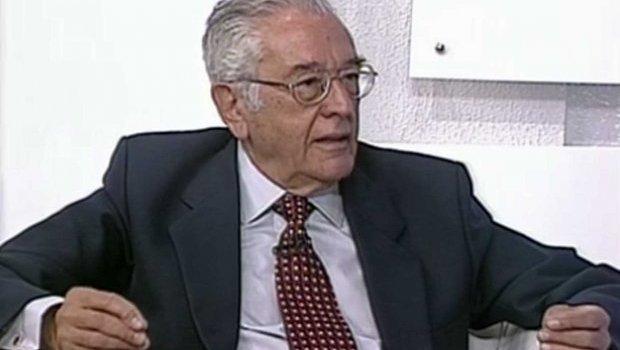 Villas-Bôas Corrêa, colunista de opiniões fortes mas fiel aos fatos, morre aos 93 anos