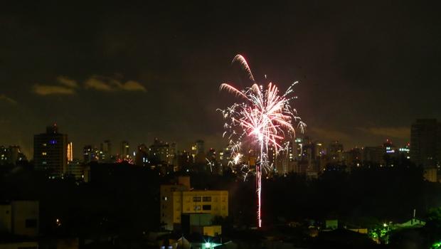 Câmara mantém proibição de fogos de artifício em inauguração de obras em Goiânia