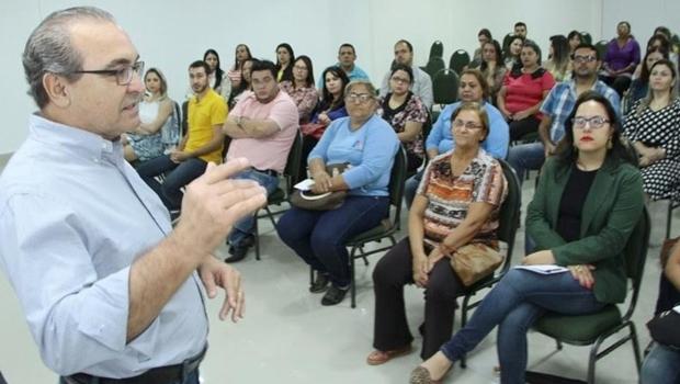 Saúde de Trindade apresenta em congresso nacional plano estratégico para 2017