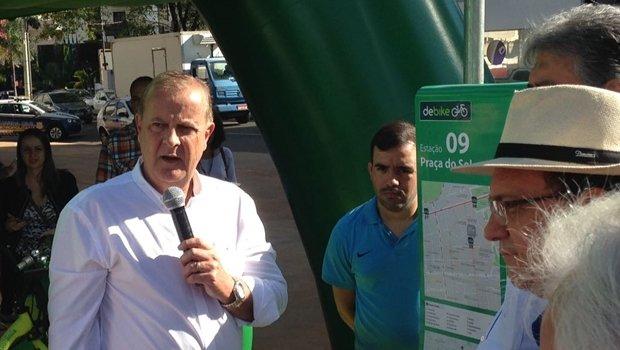 """Paulo Garcia discursa durante lançamento do projeto """"DeBike""""   Foto: Bruna Aidar"""
