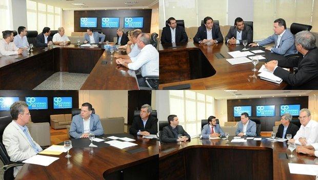 Marconi em reunião com os prefeitos eleitos de de Itapaci, Mário José Salles (PSDB); de Mara Rosa, Flávio Batista de Sousa (Pros); de Paraúna, Paulo José Martins (PRB); de Piranhas, Eric de Melo Silveira (PP) | Foto: Lailson Damásio