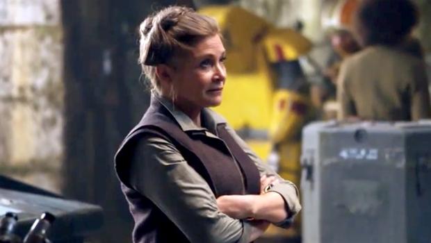 """Atriz Carrie Fisher, de """"Star Wars"""", sofre ataque cardíaco em voo, diz site"""