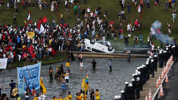 Badernaço em Brasília: depredação a pretexto de protesto é estratégia para sabotar o governo Temer | Foto: Wilson Dias/Agência Brasil