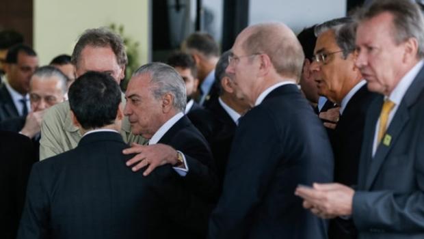 Temer chega a Chapecó para cerimônia com vítimas de acidente aéreo