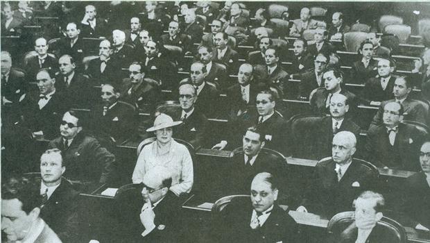 Carlota Queiroz foi a primeira deputada da história do Brasil
