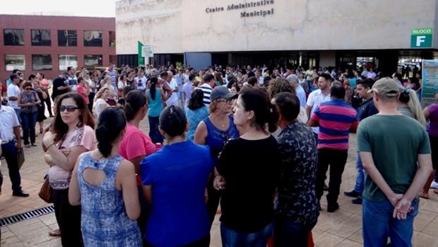 Por falta de pagamento, servidores da Saúde deflagram greve em Goiânia