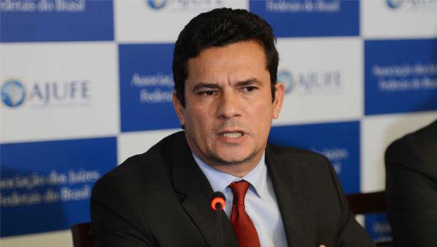 'Primeira vaga que tiver lá, está à sua disposição', diz Bolsonaro sobre Moro no STF