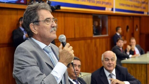 Família diz que ex-deputado Júlio da Retífica está com pneumonia mas não com Covid