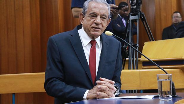 Secretários sugerem que, se pudesse, exonerariam o prefeito Iris Rezende
