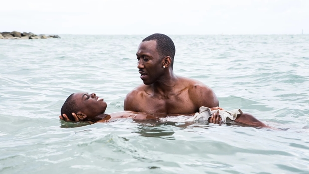 """Moonlight"" retrata a intimidade humana sem desprezar a luta por igualdade racial"