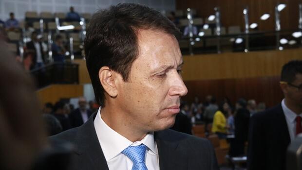 Vereadores se dizem arrependidos de eleger Andrey Azeredo presidente