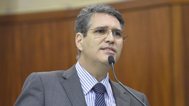 Deputado Francisco Jr. diz que Iris Rezende não resolveu nenhum problema crucial de Goiânia