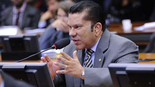 Sandes Júnior espera superar a marca dos 100 mil votos para deputado federal