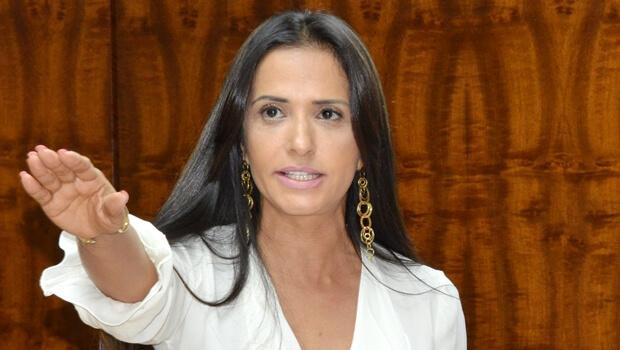 Solange Duailibe toma posse como deputada e procrastina processo criminal