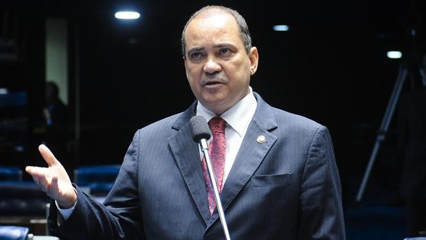 Senador anuncia repasse de R$ 2,1 milhões para municípios