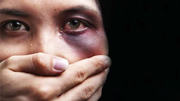 Pesquisa revela que 40% das mulheres agredidas por maridos são evangélicas