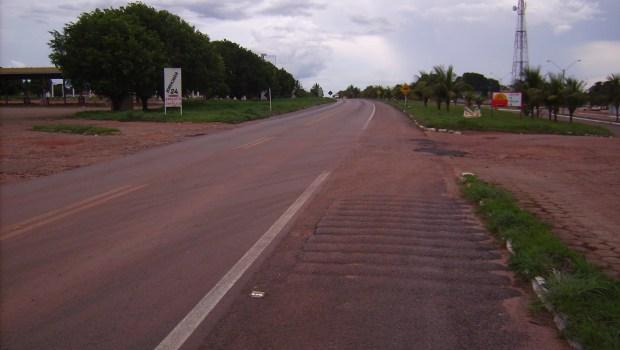 Após acidente entre caminhões, BR-153 fica totalmente interditada em Rialma