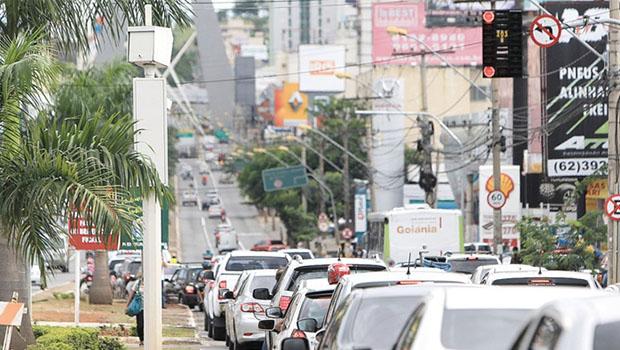 Vereadores querem cancelar contrato da Eliseu Kopp, empresa de fotossensores, em Goiânia